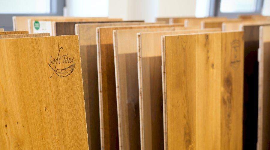 Jak předcházet poškození dřevěných podlah?