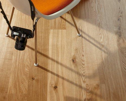 Úklid dřevěné podlahy