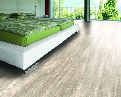 Korek a vinyl – podlahy proti bolavým kolenům